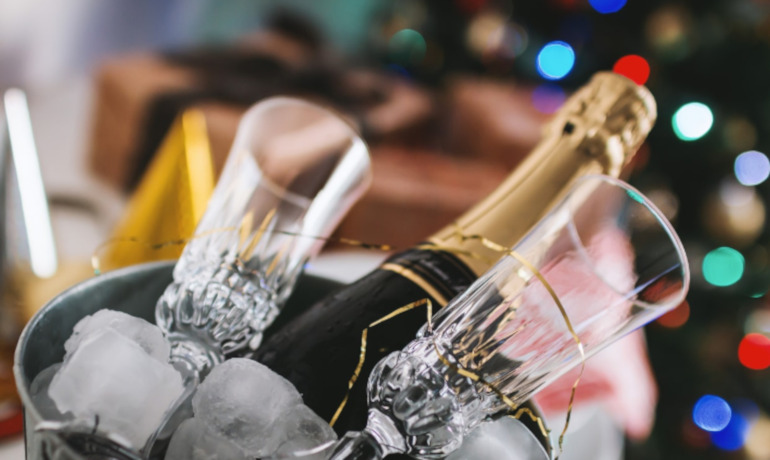 The five minute Christmas party guide